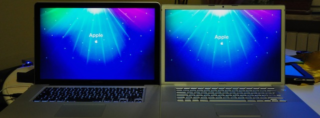 confronto display vecchio e nuovo MacBook Pro 15""