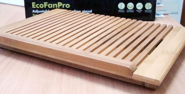 ecofanpro stand per MacBook Pro in Bamboo