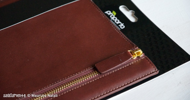 Proporta-Leather-Sleeve-iPad2-008