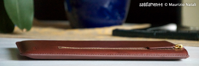 Proporta-Leather-Sleeve-iPad2-006