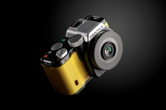pentax-ricoh-presenta-k-01-la-fotocamera