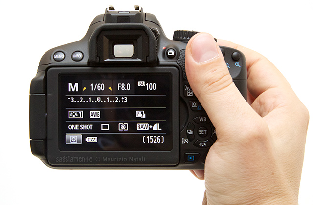 650d-impugnatura-display