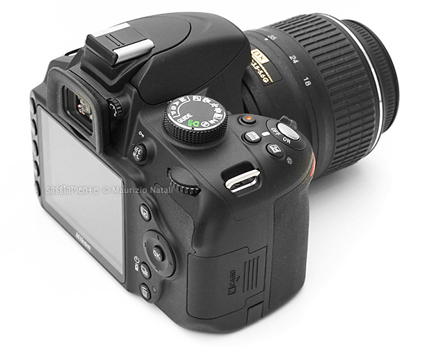nikon-d3200-vista-laterale