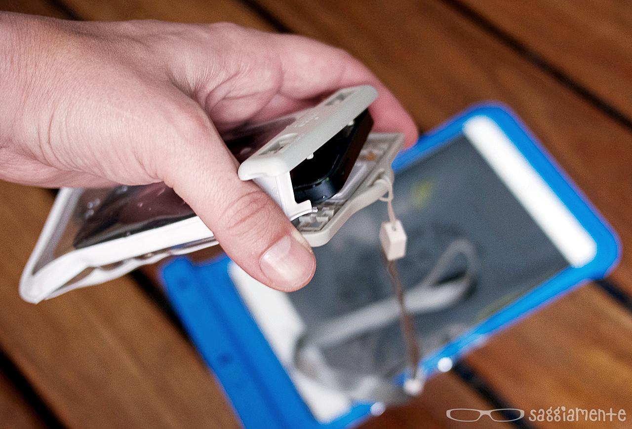 puro-waterproof-iphone-insert