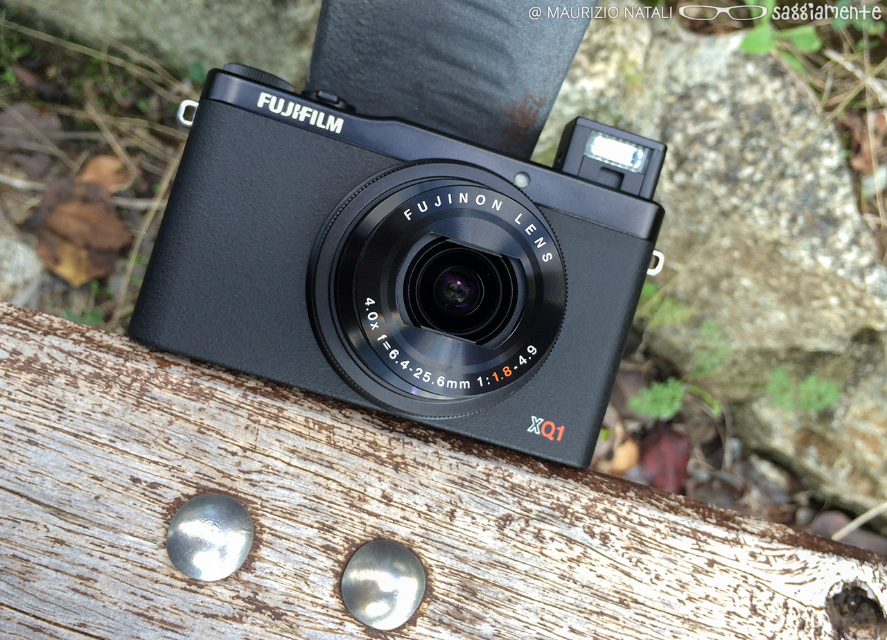 fujifilm-xq1-flash-2
