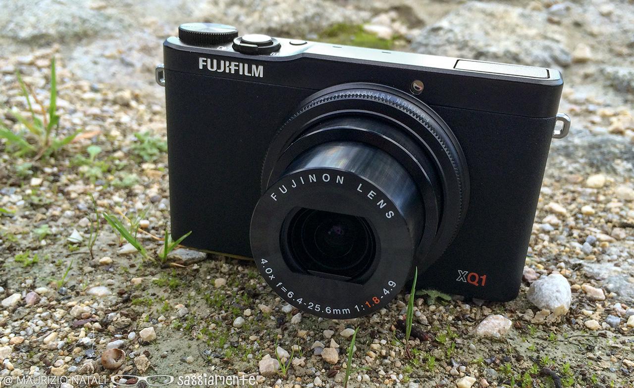 fujifilm-xq1-front-2