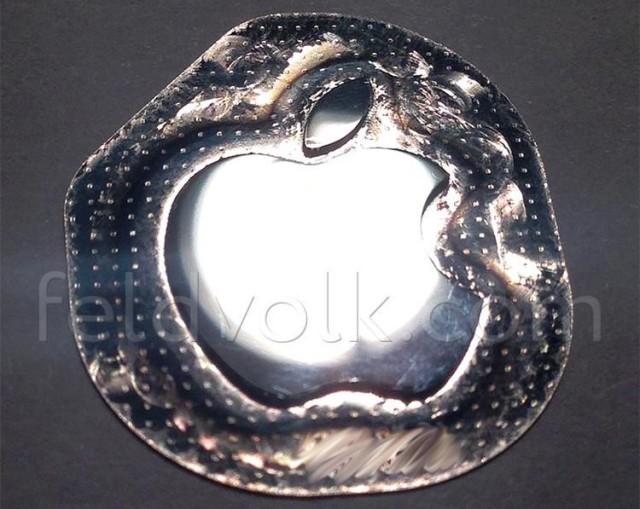 ApplelogoiPhone61-640x509