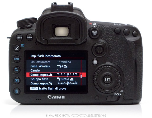7dmkii-display-flash