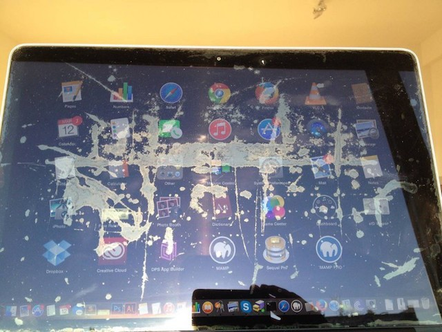 Retina-MacBook-Pro-display-riflesso