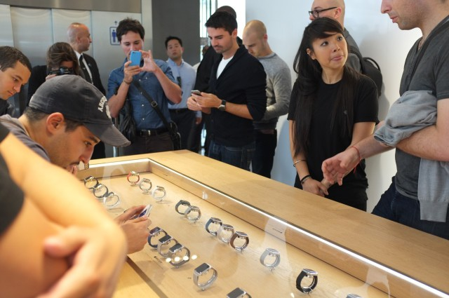 apple-watch-angela-ahrendts