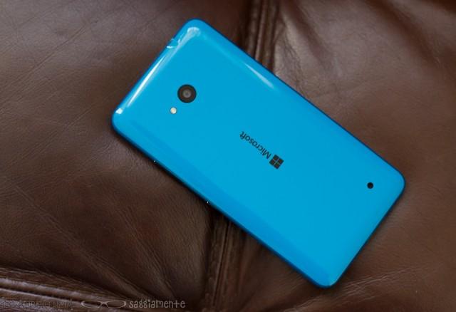 lumia640-back-2