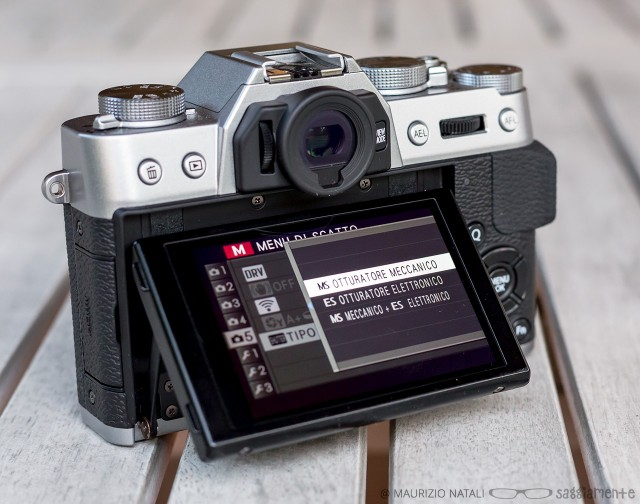 xt10-display-otturatore