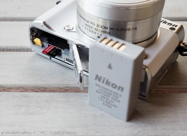 nikon-j5-batteria-memoria