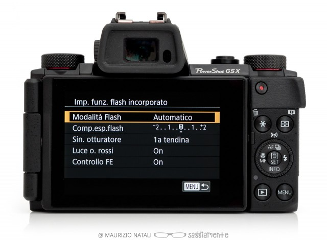 canon-g5x-display-flash-men
