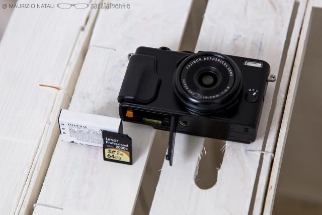 fujifilm-x70-batteria-memoria