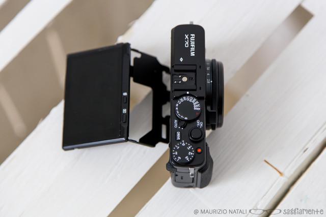 fujifilm-x70-display-open