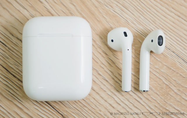 apple-airpods-12
