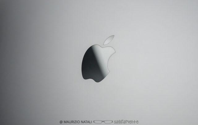 macbookpro15-touchbar-mela