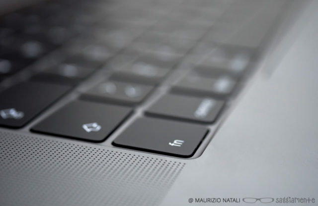 macbookpro15-touchbar-tasti